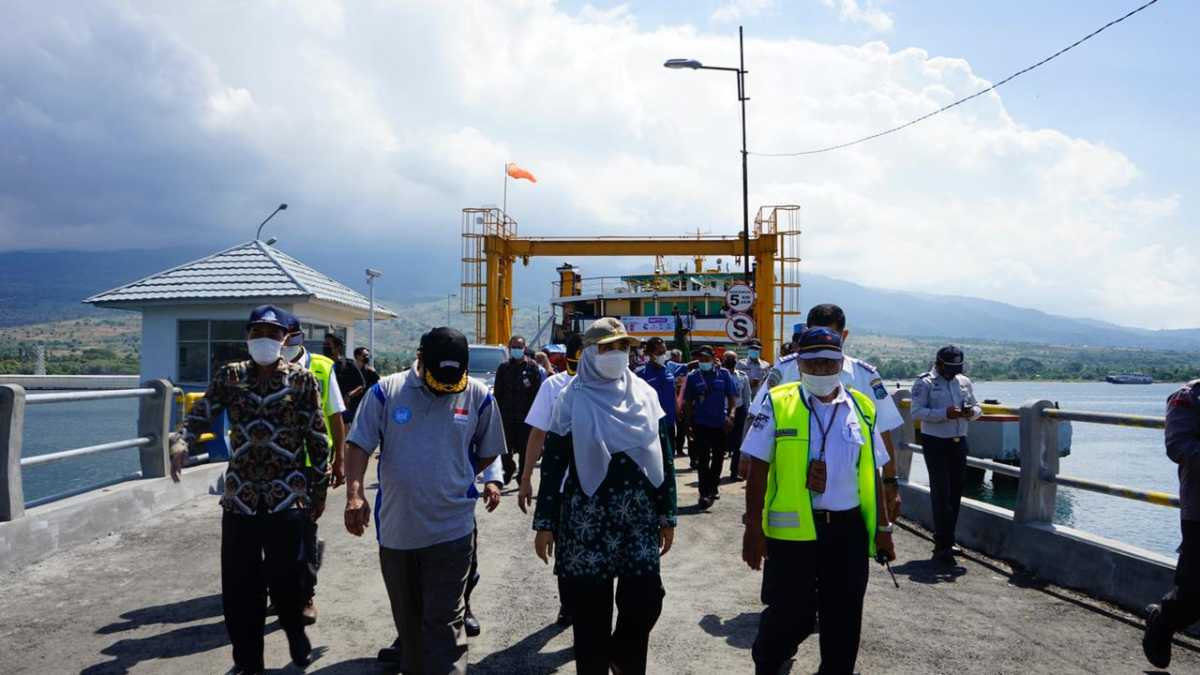 Wagub NTB, Tinjau Sistem Layanan Tiket Non Tunai di Pelabuhan Kayangan