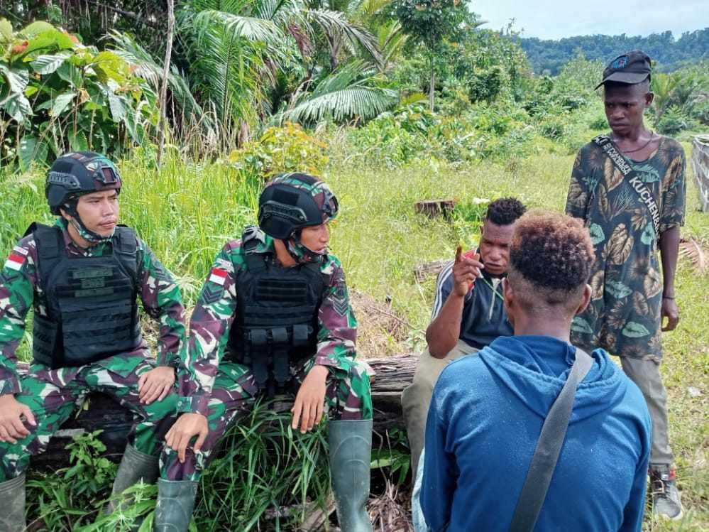 Satgas TNI Ajak Pemuda di Perbatasan RI-Papua Nugini Jauhi Narkoba dan Miras