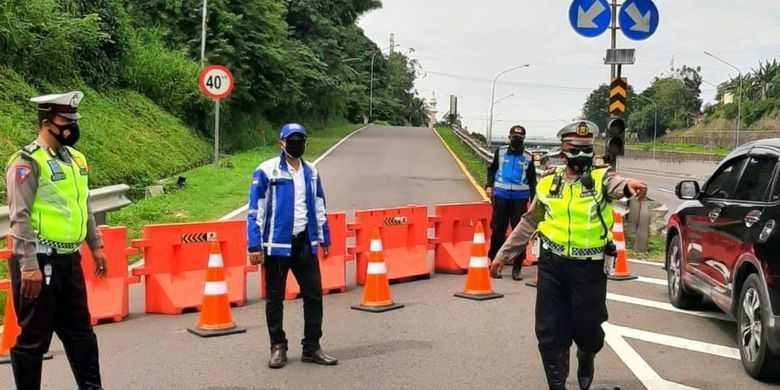 PPKM Darurat, 9 Gerbang Tol Jakarta-Cikampek berlaku sekat buka tutup
