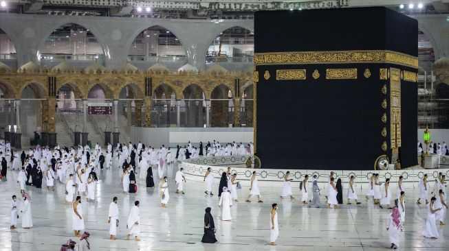 Saudi Cuma Izinkan Umat Muslim dari Negara di Luar Daftar Larangan Berkunjung untuk Umrah