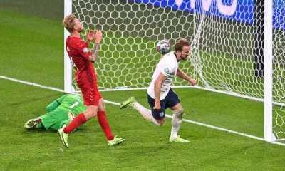 UEFA Denda Inggris Atas Insiden Sinar Laser ke Kiper Denmark