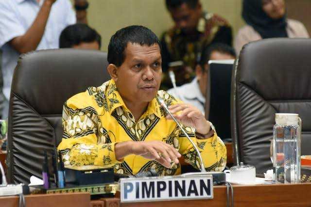 Wakil Ketua Komisi XI DPR RI Usulkan Pengerahan Nakes 'Semesta'