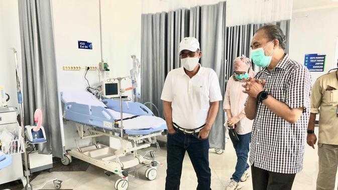 Direktur Pertamina Pantau Kesiapan Pertamedika di RS Darurat Covid Asrama Haji Pondok Gede