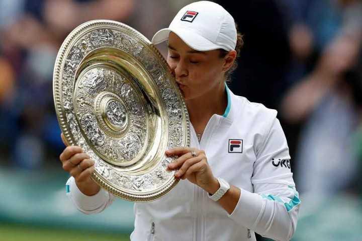 Final Wimbledon 2021- Barty Catat Sejarah Jadi Juara Petenis Putri Australia Pertama