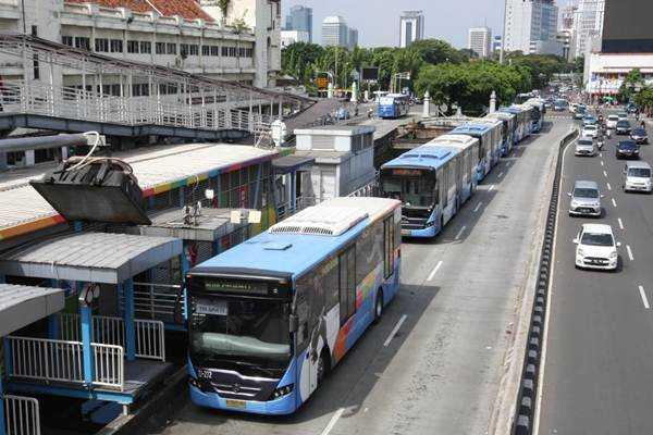 PPKM Diperpanjang, TransJakarta Kembali Kurangi Operasional Armada