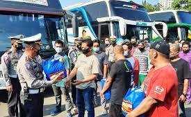 Polda Metro Amankan 36 Bus Antar Kota Diamankan Lantaran Langgar Aturan PPKM Darurat