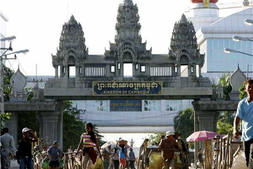 "Mulai Berlaku Malam Nanti, Kamboja Akan ""Lockdown"" Area Perbatasan dengan Thailand"
