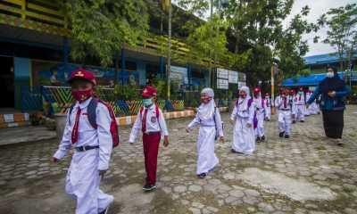 Sekolah Nekat PTM, Kemendikbudristek Lemah Menegakkan Aturan