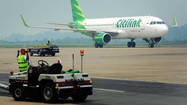 Penumpang Heboh, Bocah Buka Pintu darurat, Pesawat Citilink Tujuan Batam Ini Terpaksa Mendarat Darurat di Palembang