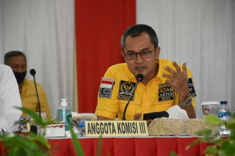 Anggota Komisi III DPR RI Andi Rio Idris Padjalangi Mengutuk keras Pasukan KKB Papua Yang Menembak Mati Tenaga Kesehatan