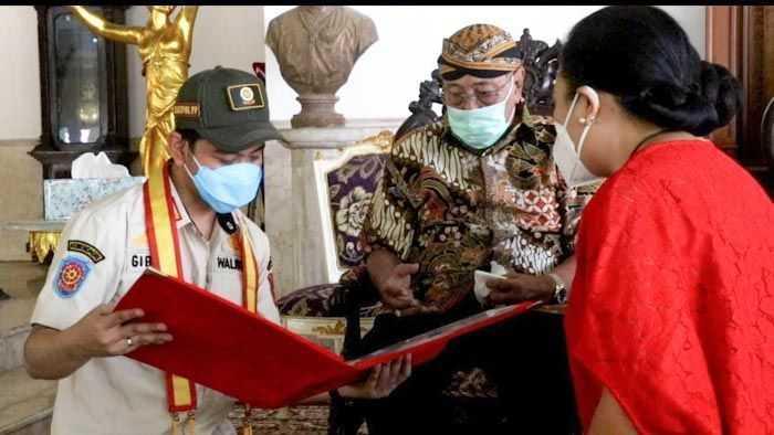 Gibran Dapat Gelar Kanjeng Pangeran dari Keraton Surakarta