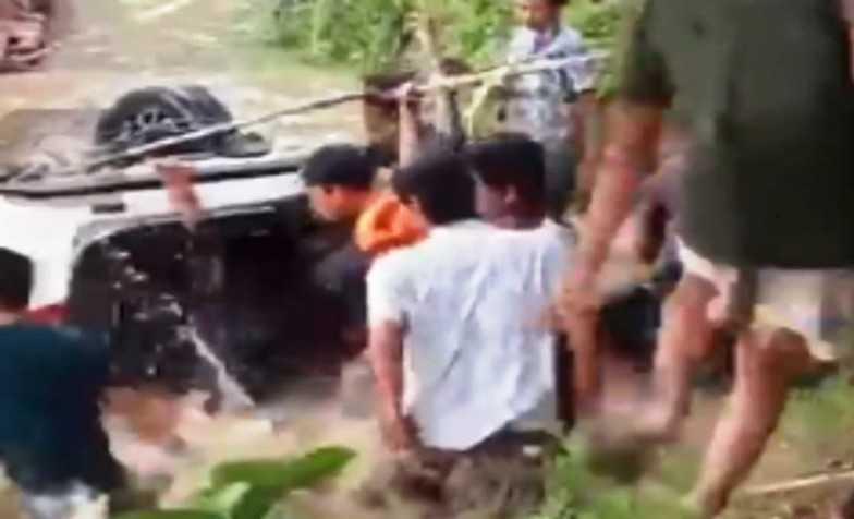 Tiga Penumpang Mobil yang Tenggelam di Sungai Konaweha Berhasil Dievakuasi dalam Kondisi Meninggal