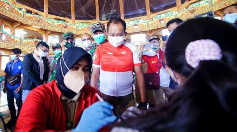 Menyoal Vaksinasi, DPR Harap Tak Ada Warga yang Tertinggal