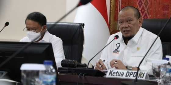 Ketua DPD RI Minta Bidan Jemput Bola Datangi Ibu Melahirkan