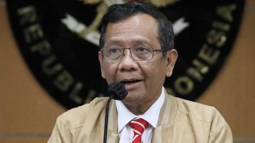 Mahfud Minta Polisi Tak Tetapkan Pelaku Pembakar Mimbar Masjid di Makassar Sebagai Orang Gila