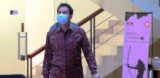 Akhirnya KPK Ciduk Azis Syamsuddin Dari Dalam Rumahnya