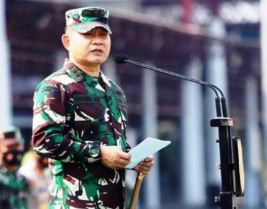 Sebut Semua Agama Sama, HNW Minta Pangkostrad Dudung Belajar dari Teladan Jenderal Soedirman