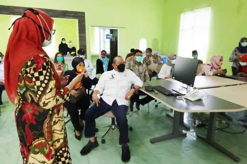 Ketua DPD Kunjungi RS Pertamina Bintang Amin Ekstensi Asrama Haji di Lampung