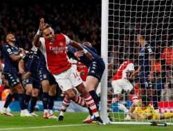 Arsenal Gilas Aston Villa 3-1