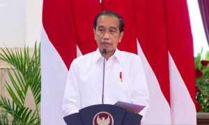Jokowi Perintahkan OJK dan Kominfo Stop Pemberian Izin Pinjol